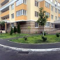 Воскресенська вул., 18-б