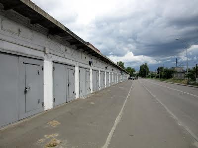 Фанерна вул., 36