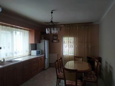 Єсеніна Сергія вул., 28