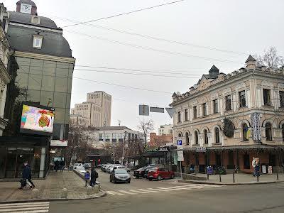 Барикадна вул., 2