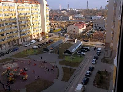Пасічна вул., 171