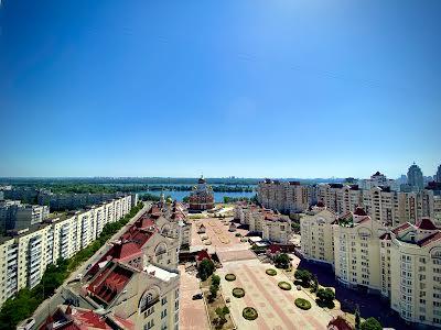 Героїв Сталінграда просп., 24А