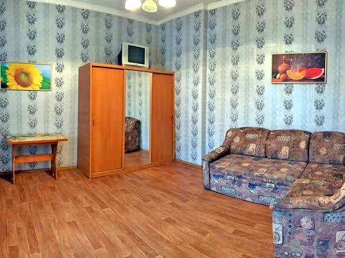 Заводська вул., 233