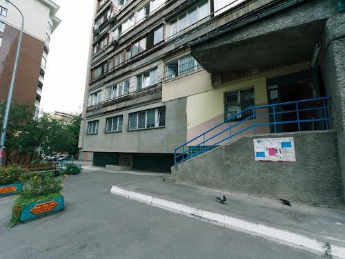 Велика Васильківська вул. (Червоноармійська), 124а