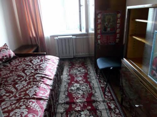 Шовковична вул., 48