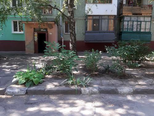 Малиновського вул., 19