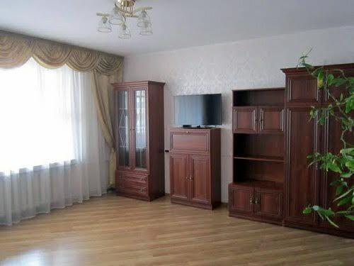 Лесі Українки бульв., 21а